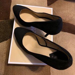 H&M Black Suede Pumps. Size 40